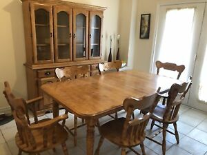 DINING TABLE SET FOR SALE - SOLID WOOD
