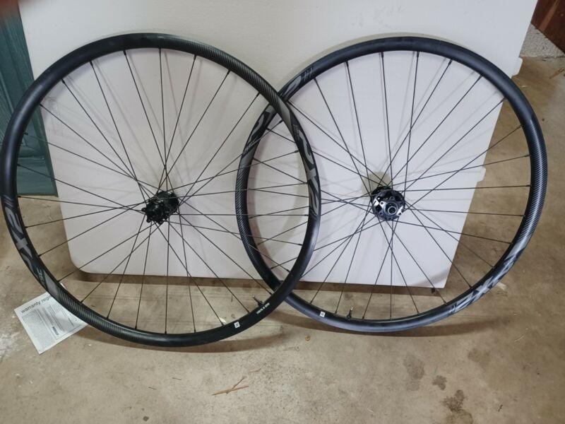 USED Giant PX-2 Gravel Disc tubeless wheelset XD Hub, thru axle