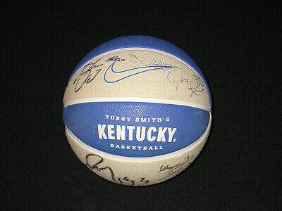 University of Kentucky Wildcats Team Signed Auto Autograph Basketball 2005/08
