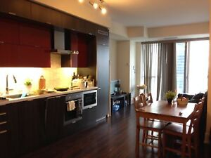 2Br 2 Bath with CN Tower Views @ Front & John