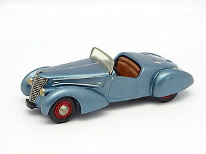 Bonita-Epoca-Kit-Montado-1-43-Renault-Saprar-1939-Azul