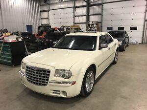 Mint 2006 300C Chrysler 5.7 Hemi