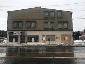 Excellent Commercial space available near Center mall $1500/mon