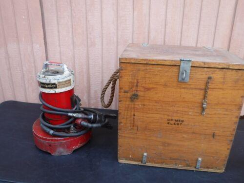 BLACKHAWK HYDRAULIC MODEL P550 PUMP WITH WOOD CASE