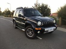 Jeep Cherokee Renegade 04 Gas /Petrol Long Rego R W C Excellent Cond Clyde Casey Area Preview