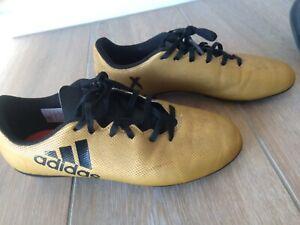 Kids adidas soccer boots