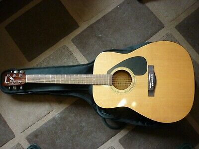 Yamaha F310 Acoustic Guitar, Excellent condition.