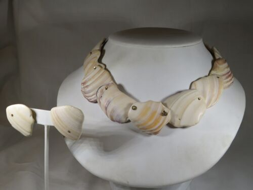 Vintage Tumbled Shell Collar Necklace and Post Earrings Set
