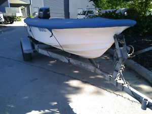 Haines Hunter V12r fiberglass boat with.Yamaha 30hp outboard
