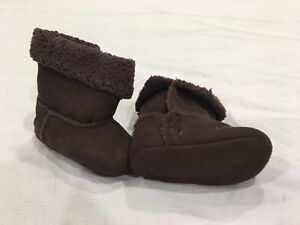 Brown Pixie Boots. Size 0-6 months.