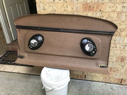 parcel tray with speakers  Morisset Lake Macquarie Area Preview