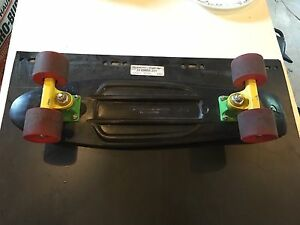 Penny board/Red yellow green