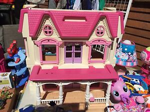 Dolls house Lenah Valley Hobart City Preview