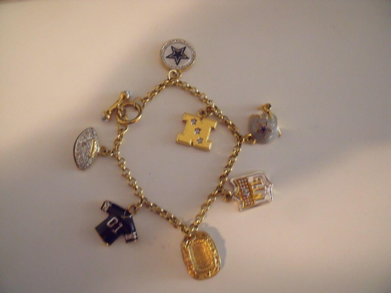 Photo Danbury Mint Dallas Cowboys NFL Football Charm Bracelet Pre Owned