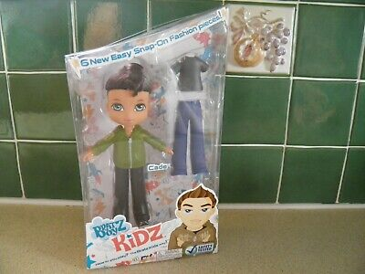 BRATZ BOYZ KIDZ CADE WITH 6 SNAP ON FASHION PIECES WITH DOLL BOXED UNUSED