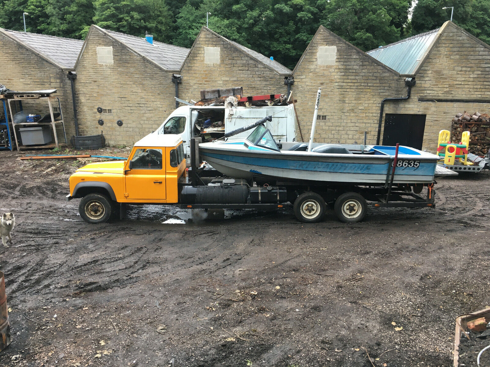 Land-rover-Defender-Stretch-6X4-boat-launcher-chassis