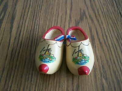 - HOLLAND WOOD CLOGS SHOES 3 1/2