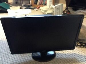 "17"" Acer Monitor"