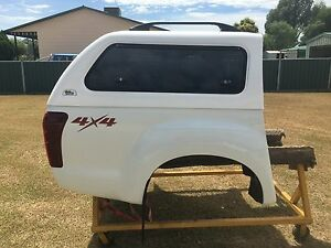 Canopy and tub for Isuzu Dmax Manilla Tamworth Surrounds Preview