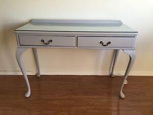 Antique dresser/desk Sylvania Waters Sutherland Area Preview