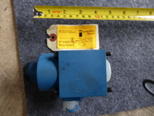 Rexroth RR00010623 Hydraulic Valve New
