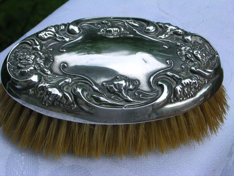 GORGEOUS R. WALLACE & SONS FLOWER STERLING SILVER OVAL CLOTHES BRUSH, C.1900