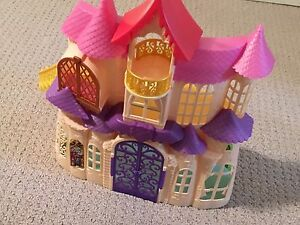 Sofia the First talking Castle playset