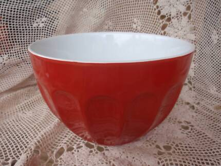 RED STONEWARE BOWL 24CM X 14.5CM IDEAL FRUIT/DISPLAY/SERVING VGC