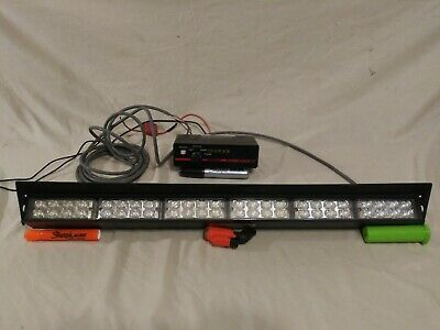Stl Traffic Directional Light With Code 3 Pse Arrowstik Controller