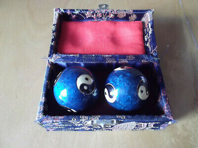 Qi Gong Klangkugeln, Meditationskugeln mit Ying und Yang-Motiv und Schatulle