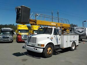 1998 International 4700 Diesel Bucket Truck EH37 Bucket with Gen