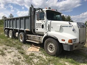 1999 triaxle dump, heavy spec, new trans
