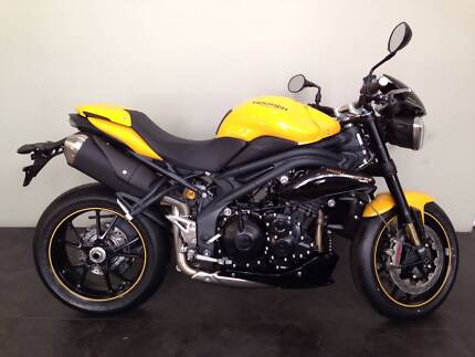 NEW TRIUMPH SPEED TRIPLE 1050R SPECIAL EDITION
