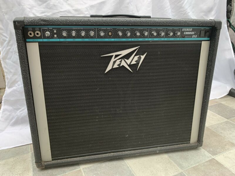 Peavey Stereo Chorus 212 130 Watt Guitar Amp (READ DESCRIPTION)