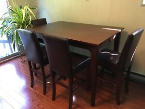 Beautiful Bar Style Dining Room Table with 6 chairs