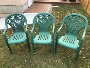 Plastic Stackable Lawn Chairs