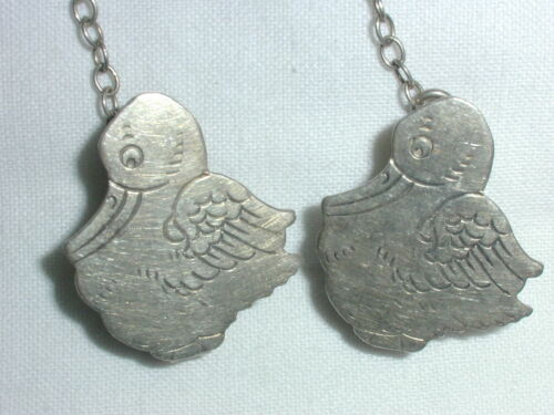 VINTAGE STERLING SILVER WEBSTER BIB OR SWEATER HOLDER- DUCKS!