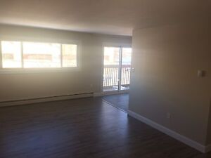 NEWLY RENOVATED 2 BEDROOM UPTOWN!