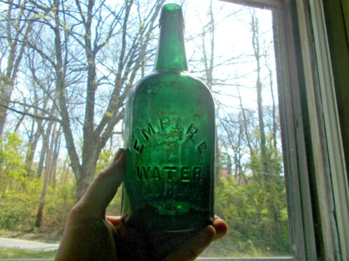 PRETTY GREEN EMPIRE WATER QUART 1870s SARATOGA MINERAL WATER BOTTLE APPLIED LIP