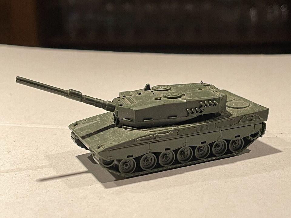Panzer Modell Kunststoff bewegliche Kanone ca. 7,5cm lang in Nordrhein-Westfalen - Recklinghausen