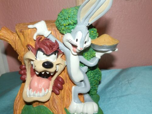 Warner Brothers Looney Tunes Bugs Bunny Taz Tasmanian Devil Bank Tree Stump Pie