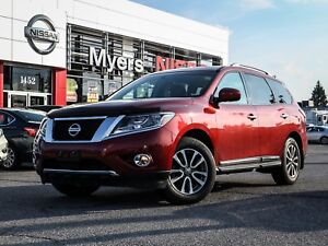 2013 Nissan Pathfinder SL 4WD reverse camera, CD, heated seats,
