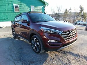 2017 Hyundai Tucson LIMITED PACKAGE - ONLY 23KM! - LEATHER - SUN