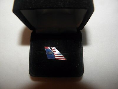 AMERICAN AIRLINES & US AIRWAYS MERGER TACK PIN AIRPLANE TAIL PILOT COLLECTIBLE