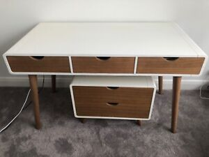 Desk and drawers / bedside table