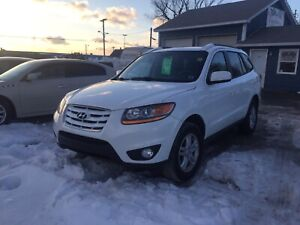 2010 HYUNDAI SANTA FE!! AWD LOW KMS!