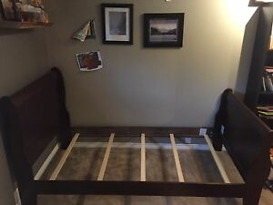 Single bed frame and box spring