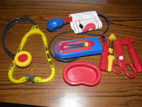 4723) 1 Lot 7: Mic Plastic Pretend Play Doctor Toys Stethoscope Tray Tweezers