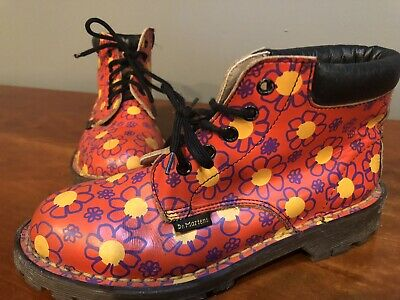DOC DR MARTENS Red FLORAL GIRLS BOOTS YOUTH SIZE 2 Lace Up