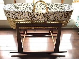 Moses Basket Bassinet and Rocking Stand